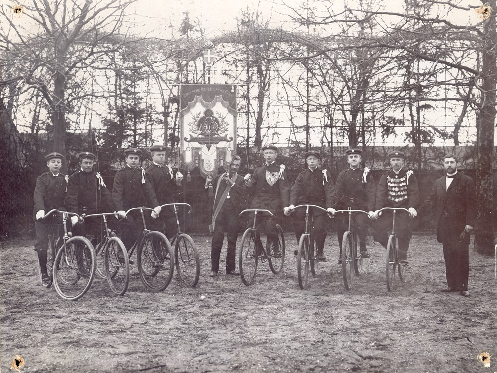 1895 Wielrijden Z.A.C.-zaalrijdersploeg