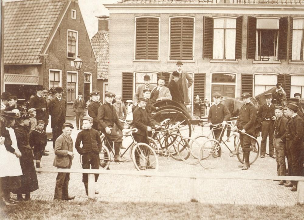 1896 Verenigingsleven Z.A.C.-fietsers