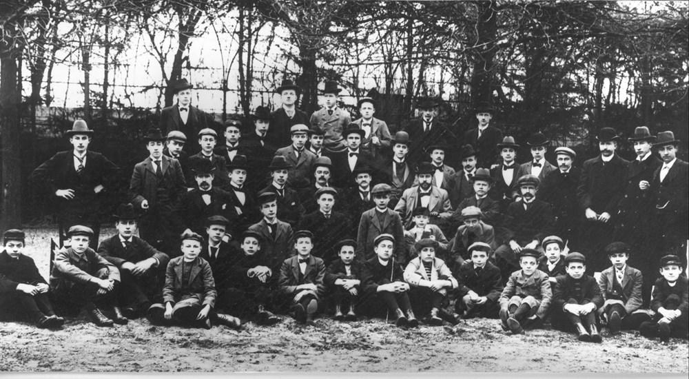 1897 Verenigingsleven Afscheid van voorzitter J.H. Deibel.