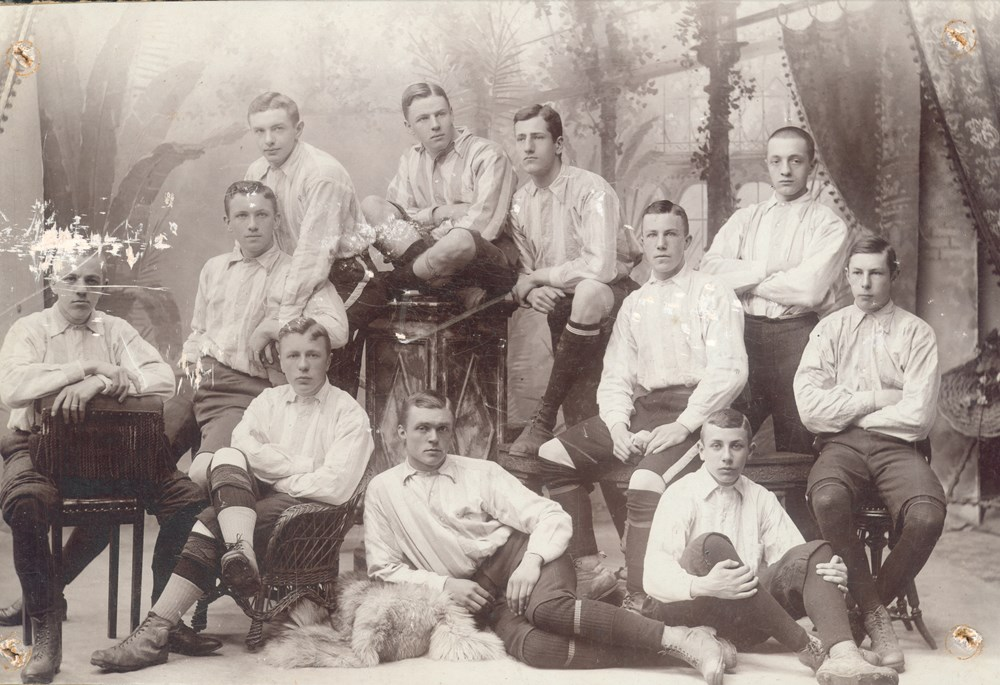 1905 Voetbal Leden van de Z.V.V. (Zwolse voetvalvereniging).