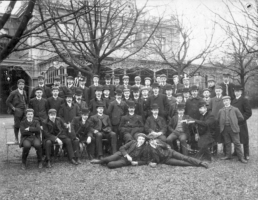 1906 Verenigingsleven Het vertrek van voorzitter Brouwer