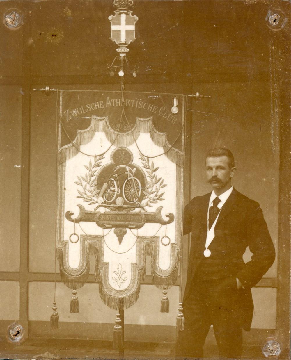 1911 Bestuur Jasper Warner (voorzitter)