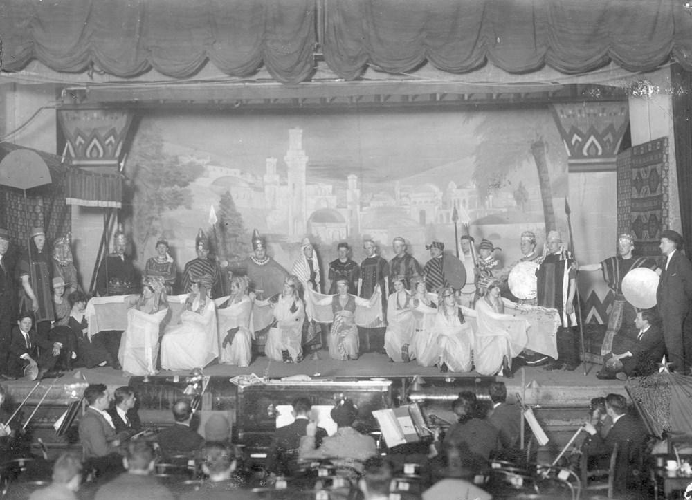 1920 Verenigingsleven De revue Pawney Bill