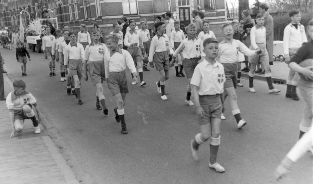 1951 Verenigingsleven Koninginneoptocht