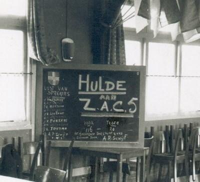 1960 Verenigingsleven  Z.A.C. 5 viert feest in de kantine