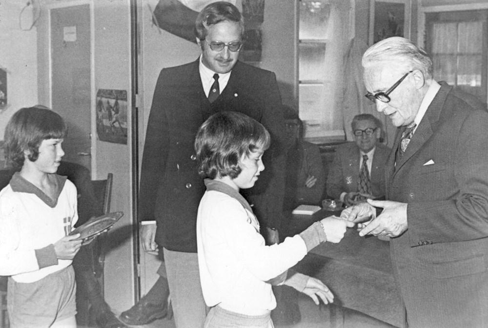 1973 Verenigingsleven Sluitingsdag actie voor het prinses Beatrix poliofonds.