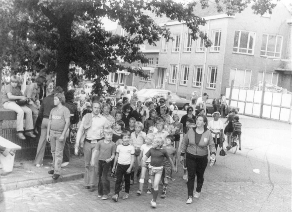 1973 Verenigingsleven Z.A.C.-jeugd bij de Avondvierdaagse