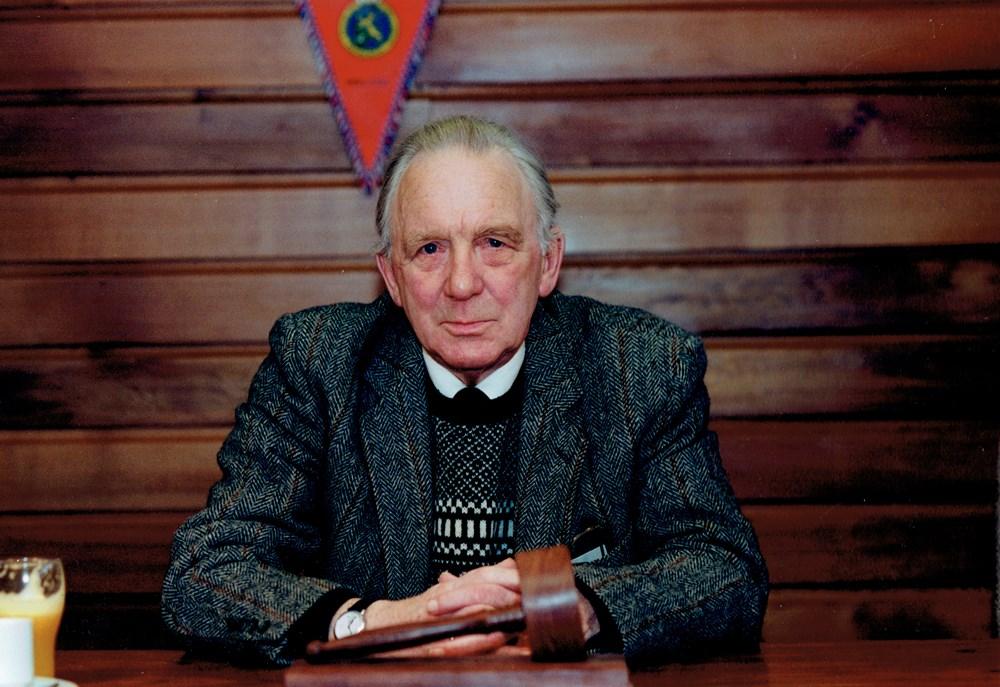 1993 Verenigingsleven Jo van Marle treedt terug als voorzitter van de KNVB