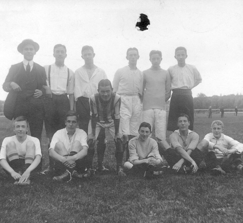 1914 Voetbal Elftal van de R.H.B.S.