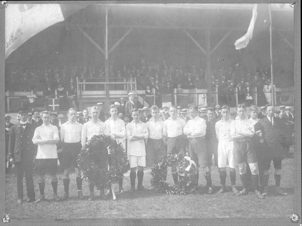1918 Voetbal Z.A.C. 1 gehuldigd