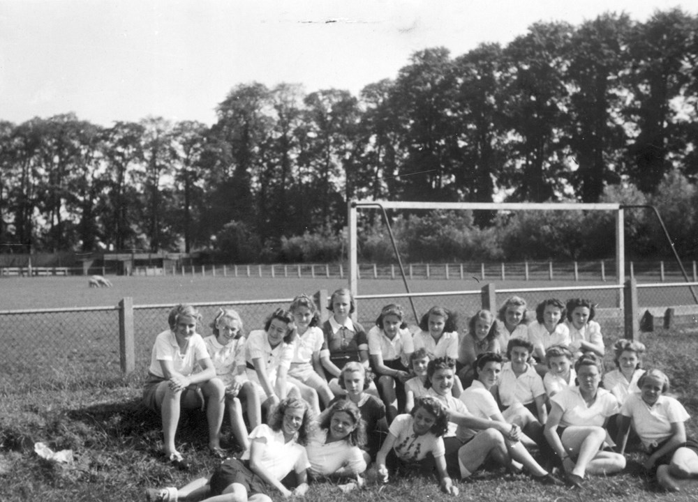 1941 Atletiek Oprichting afdeling Dames-atletiek.