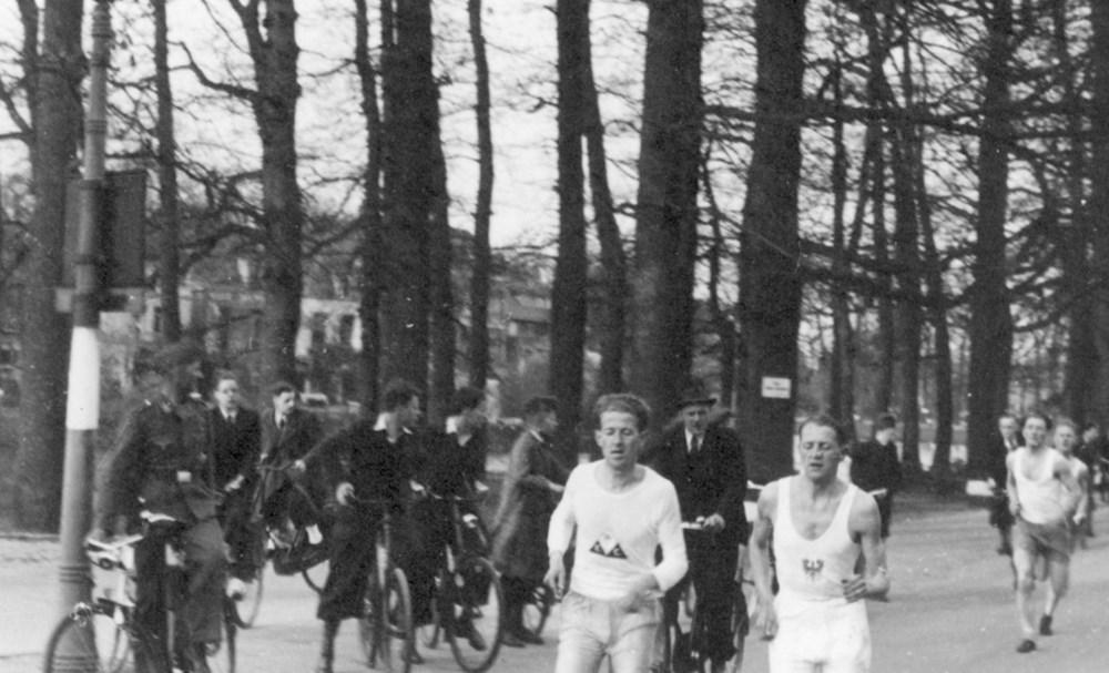 1943 Atletiek  De Zwolsche Singelloop