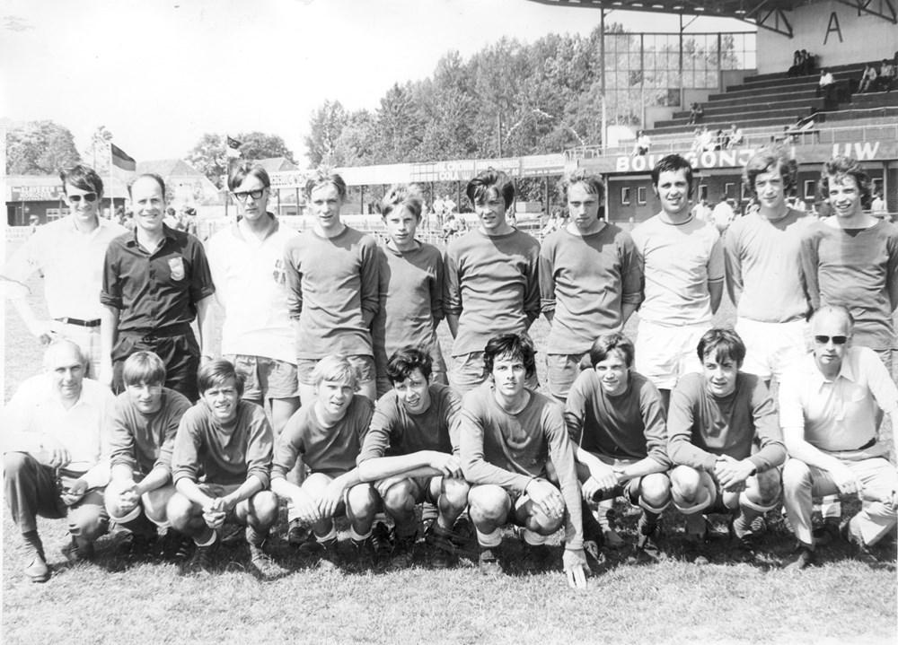 1970 Voetbal Z.A.C. A-jeugd op het P.E.C. jeugd-tournooi op 4 en 5 juni