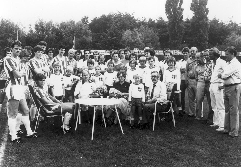 1981 Voetbal Afscheid van Nico Smit als selectiespeler