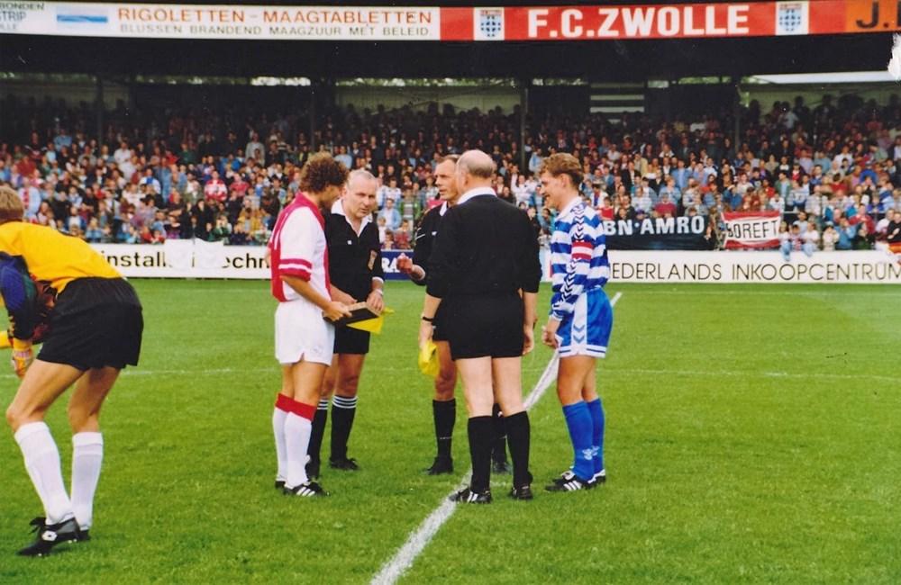 1993 Voetbal Jubileumwedstrijd Z.A.C. 1 tegen Ajax 1